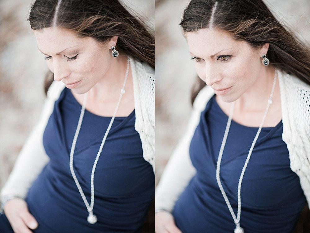 Braunhaarige junge Frau mit blauem Shirt