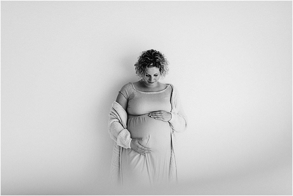 Babybauch Fotograf, Babybauchfotos, Babybauch, Schwangerschaft, Schwangerschaftsfotograf, Schwangerschaftsfotos, Schwangerschaftsbilder, Fotograf Ostschweiz, Fotograf St. Gallen