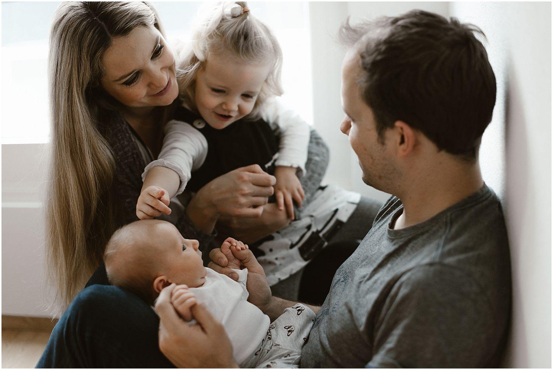 Homeshooting, Lifestyle Shooting, Baby Homeshooting, Baby Homestory, Homestory Shooting, Babybilder zu Hause, Babyfotos zu Hause, Fotografin Ostschweiz
