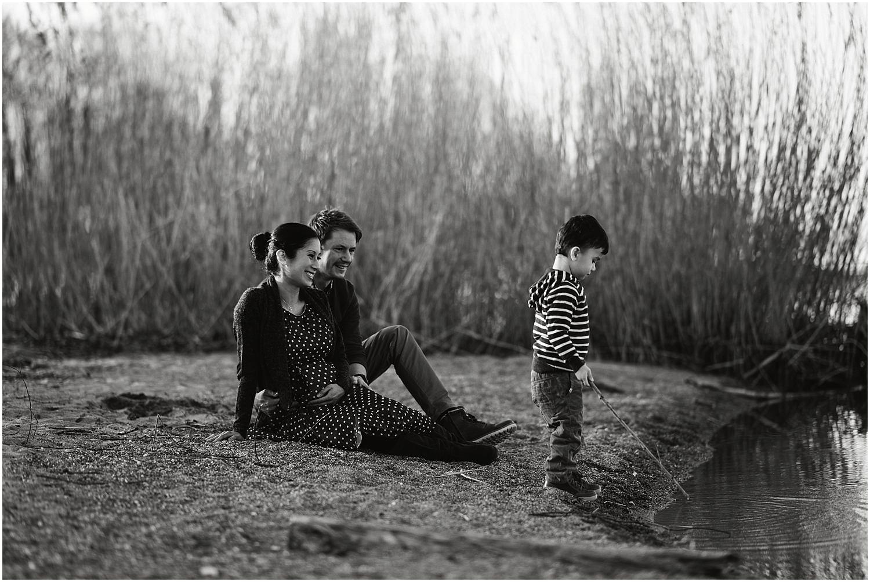 Babybauch, Babybauch fotos, Babybauchbilder, Babybauchfotograf, Babybauchfotos, Fotograf Arbon, Fotograf Ostschweiz, Fotograf St. Gallen, Fotograf Thurgau, Schwangerschaftsbilder Schwangerschaft Fotograf, Schwangerschaftsfotograf, Schwangerschaftsfotografie, Schwangerschaftsfotos, Babybauch draussen, Schwangerschaftsbilder draussen, Schwangerschaftsbilder am see, Sonnenuntergang Babybauchg