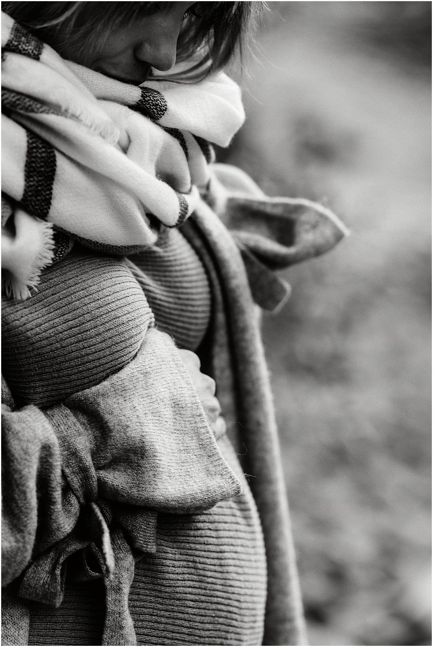 Babybauch, Babybauch Foto, Babybauch Fotograf, Fotograf Schwangerschaft, Schwangerschaftsfotos, Schwangerschafts Foto, Schwangerschaft Bilder, Babybauchbilder, Babybauchfotograf, Fotograf Ostschweiz, Fotograf St. Gallen, Fotograf Arbon, Geschwister, Babybauch im Wald, besondere Schwangerschaftsbilder, Zeitlose Fotografie, SSW Fotos