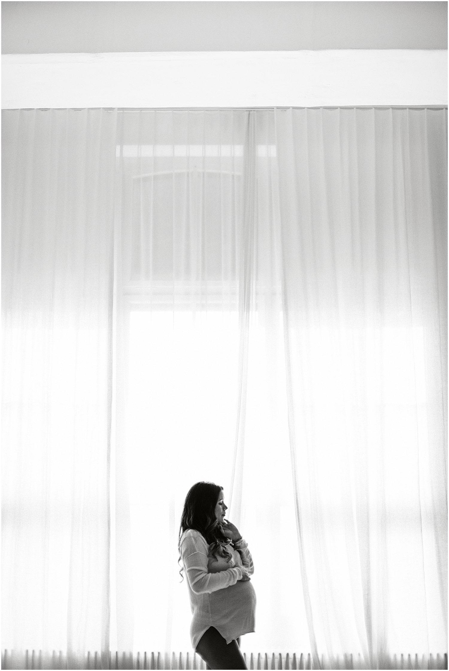Babybauch, Babybauch Foto, Babybauch Fotograf, Fotograf Schwangerschaft, Schwangerschaftsfotos, Schwangerschafts Foto, Schwangerschaft Bilder, Babybauchbilder, Babybauchfotograf, Fotograf Ostschweiz, Fotograf St. Gallen, Fotograf Arbon