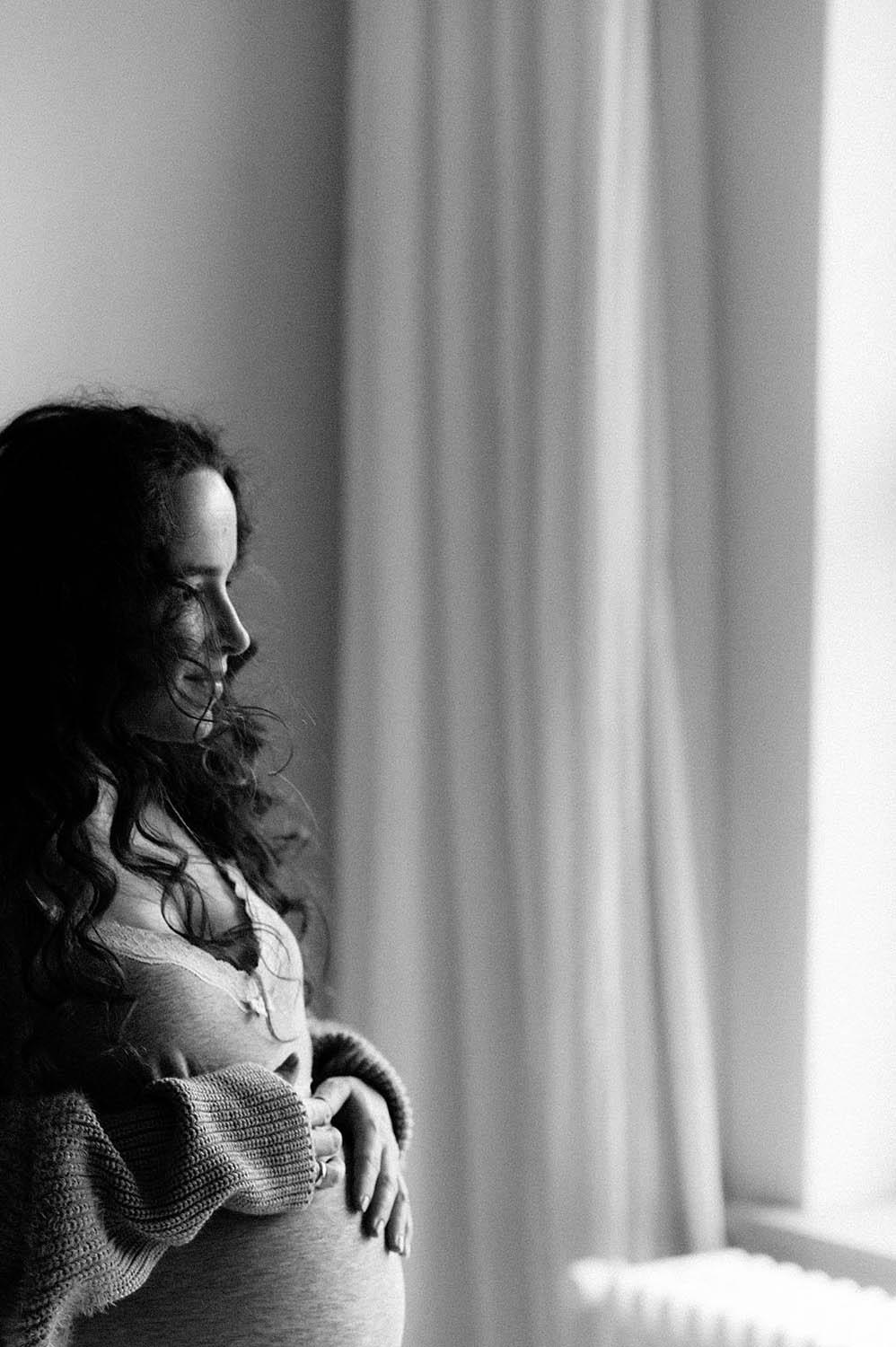 Babybauch, Schwangerschaft, Babybauch Schweiz, Babybauchfotos, Babybauch Fotograf, Babybauch Fotografie, Babybauchfotografie, Schwangerschaftsfotos, Schwangerschaftfoto, Schwangerschaftsbilder, Maternity Foto, natürliche Schwangerschaftsbilder, Fotograf Ostschweiz, Fotograf Bodensee, Fotograf Arbon, Corinne Chollet, Corinne Chollet Fotografie