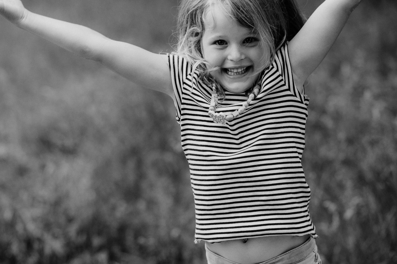Corinne Chollet, Corinne Chollet Fotografie, Familiefotografie Schweiz, Familiebilder, Familie Fotografie, Familiefotograf, Fotograf Familie, natürliche Familienfotos, Fotograf Ostschweiz, Fotos draussen, natürliche Bilder, Kinderbilder, Kiinderfotograf, Kinder Fotos, Kiinderfotografie Schweiz