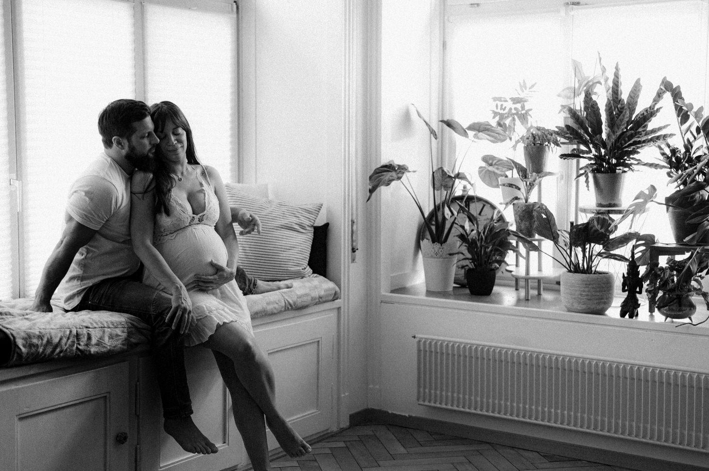 Homeshooting, SS Bilder Zuhause, Babybauch Homeshooting, SS Bilder, SS Fotos, Babybauch Fotos, Babybauch Fotograf, Maternity Fotograf, natürliche Schwangerschaftsfotografie, Fotografie Ostschweiz, Fotograf Arbon, Corinne Chollet Fotografie